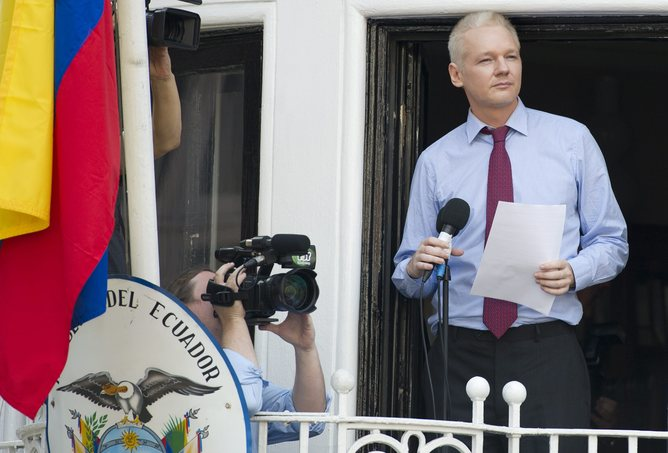 UK Meets With Ecuador Over WikiLeaks' Assange