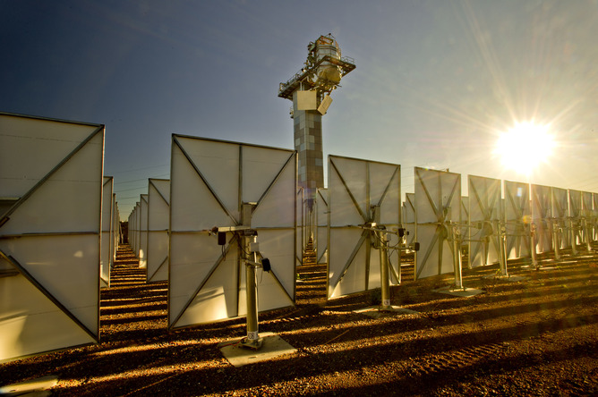 Sunrise_on_solar_thermal_research_hub