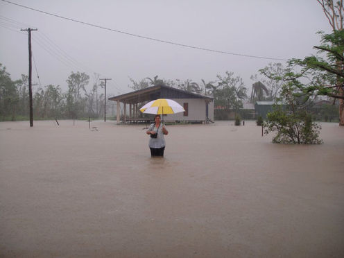 Aapone-20110310000304501823-australia-weather-floods-original