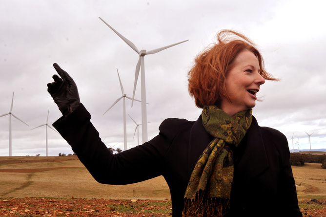 Aapone-20110720000332981277-julia_gillard_wind_farm-original