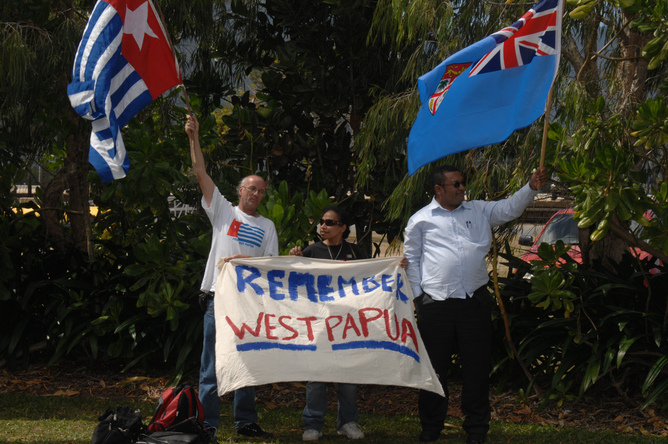 Refugees and rebels set to dominate Rudd's PNG visit