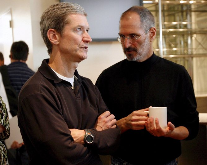 Aapone-20090115000145760349-file_usa_apple_steve_jobs_tim_cook-original-1317779991